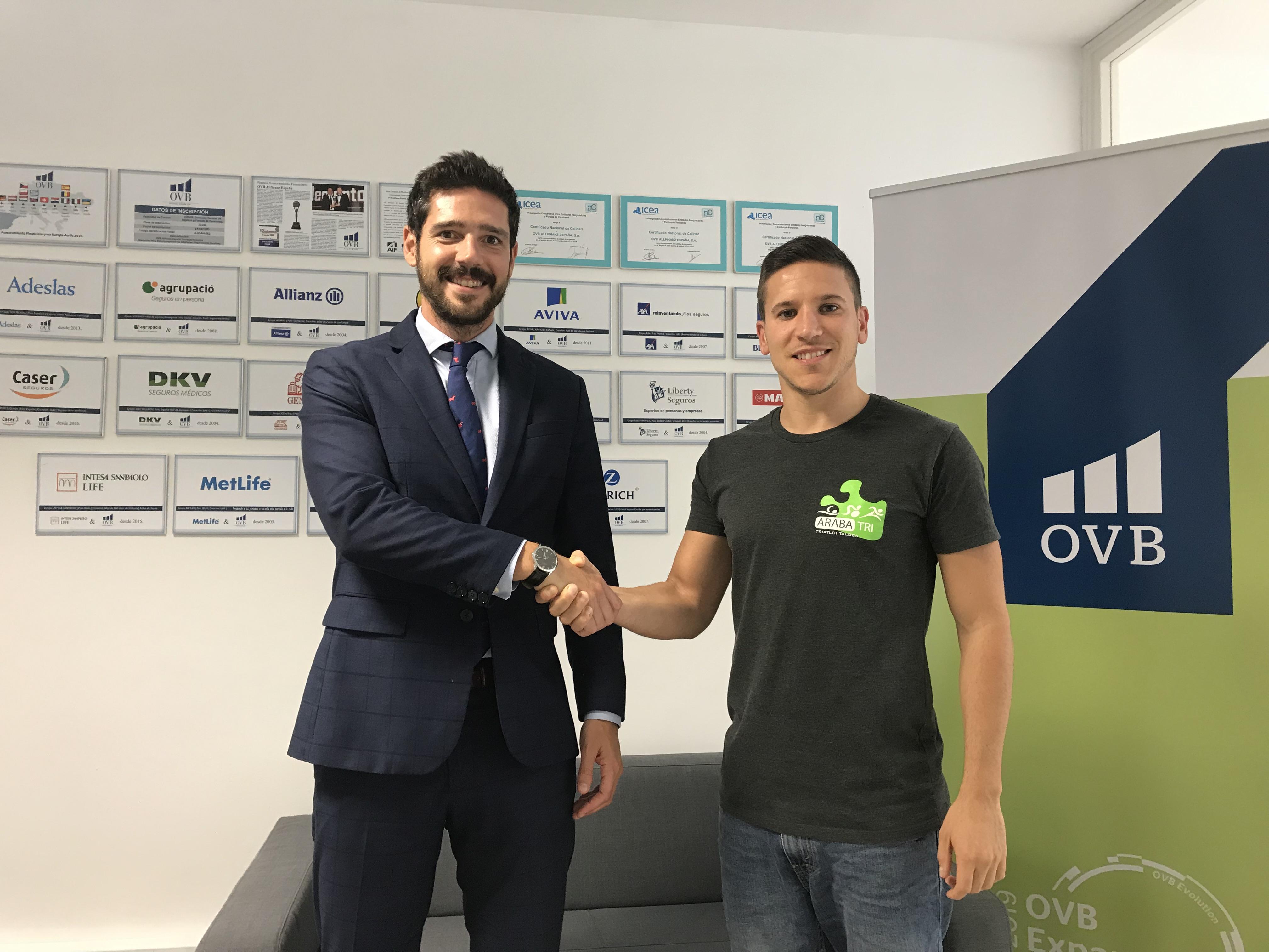 La consultora financiera OVB apoya al Club de Trialtlón Araba-Tri
